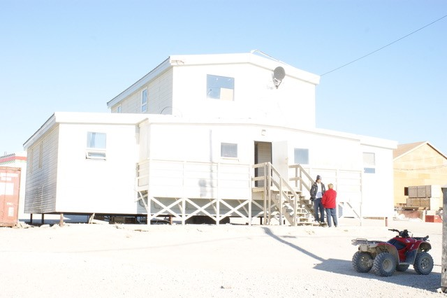 Igloolik Bldg 2