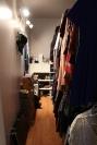 Walk-in closet (1)